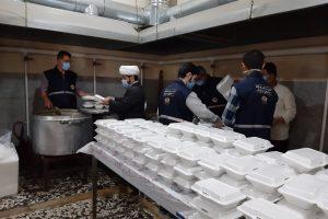 تهیه و توزیع ۱۰۰۰ پرس غذا جهت توزیع بین همشهریان اهوازی